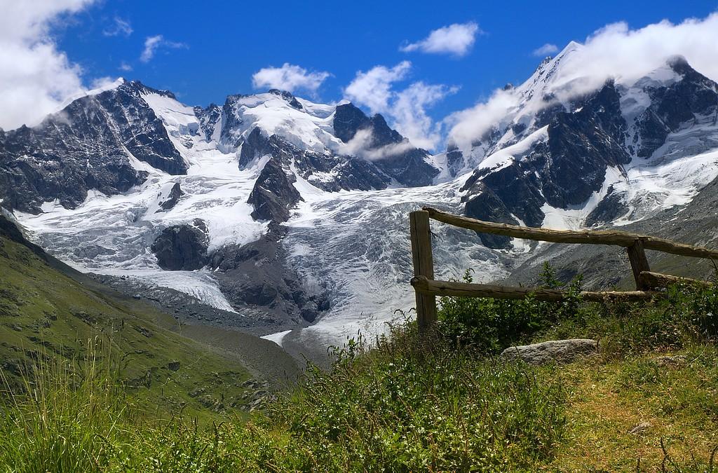 Bernina: un grande massiccio… un piccolo trenino…