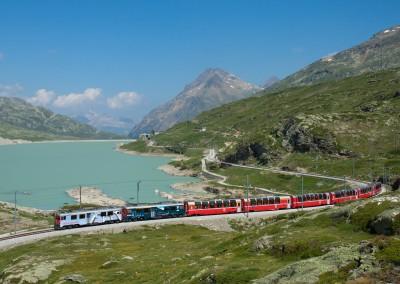 Trenino del Bernina: una favola insieme a St. Moritz e Livigno